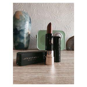 HP 💫Brown Matte Lipstick 🍃